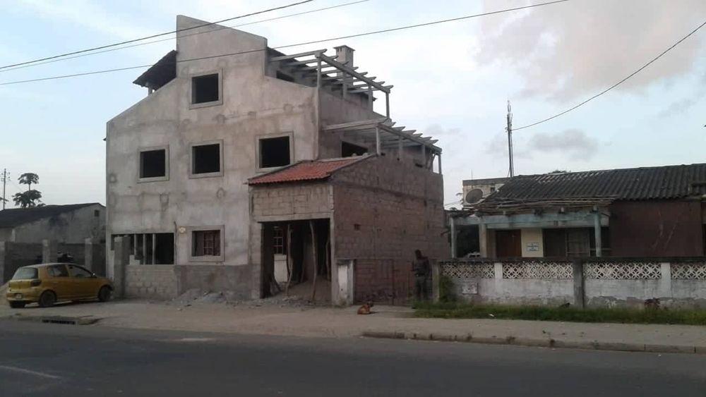 Moradia T8 - duplex 3 pisos