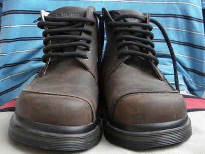 Доктор Мартинс уникални нови обувки боти