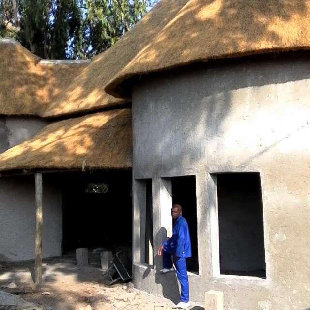 fazemos esplanadas ,coberturas casas de madeira ,postes de energia