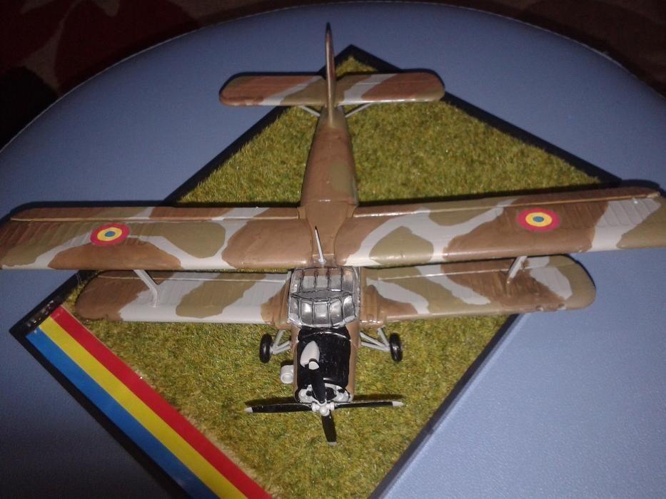 Macheta avion AN-2, varianta militara - scara 1:72