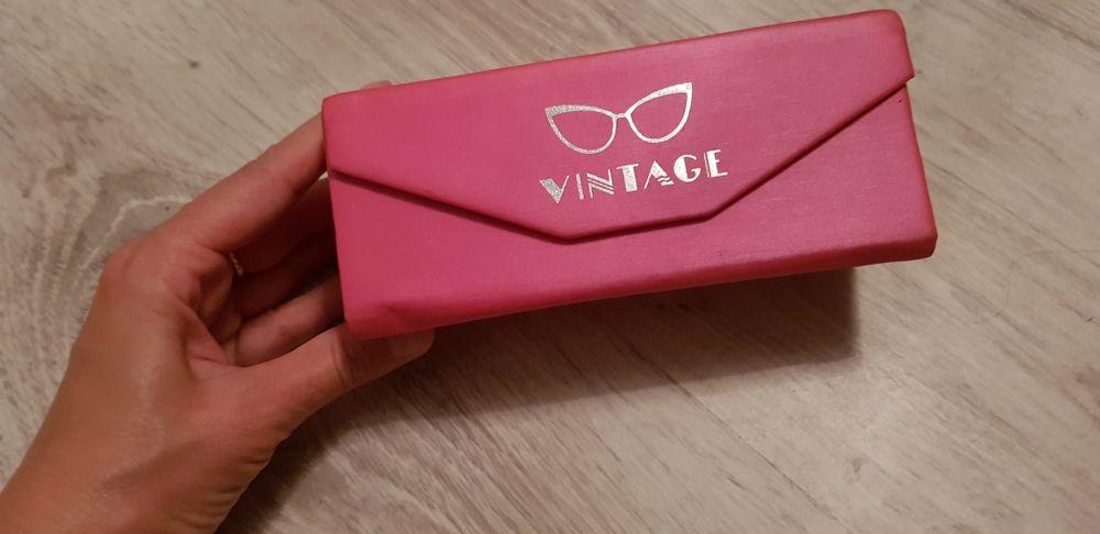 Vand ochelari vintage noi cu toc