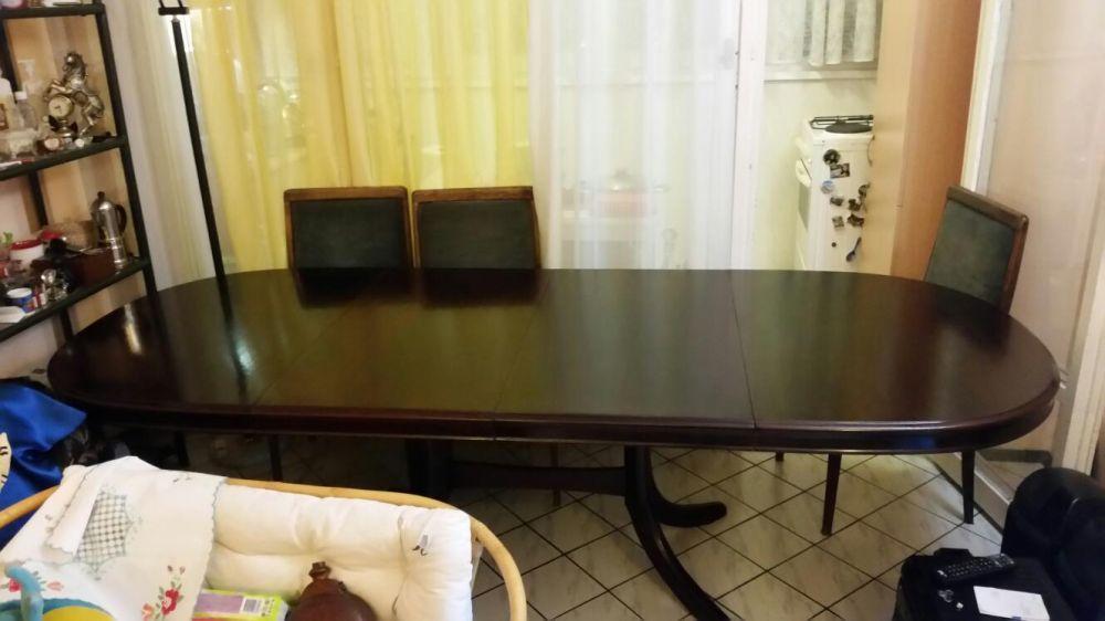 Трапезна баварска маса.