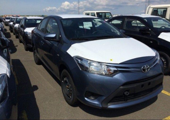 Toyota Yaris mala comprida