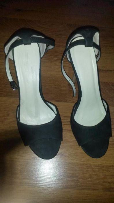 елегантни сандали на платформа