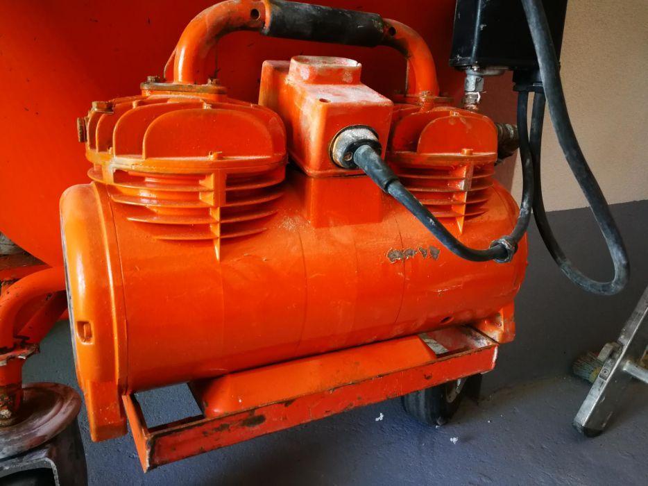 Compresor pt masina de tencuit
