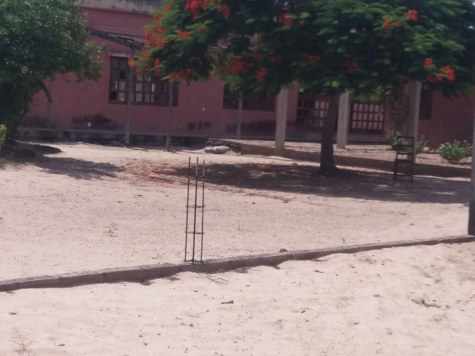 Espaço kinta com moradia t3 com 3 casas em kumbeza n tereno de 100x100