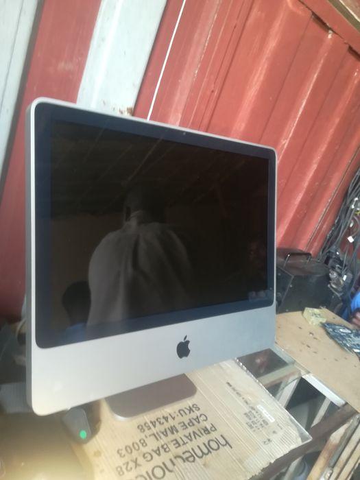 Mac cor dou super clean