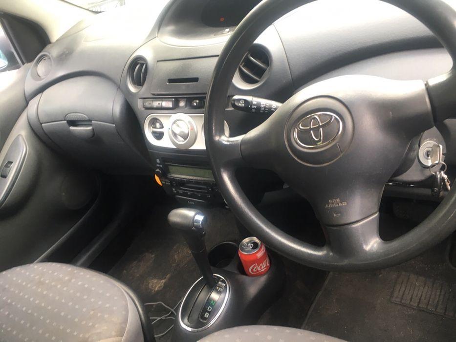 Toyota Vitz Lágrima 1.3