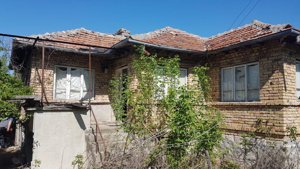 Продавам или заменям къща в село Войводино,област Варна