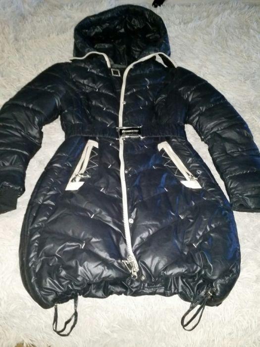 Куртка зимняя 44 р. как новая.