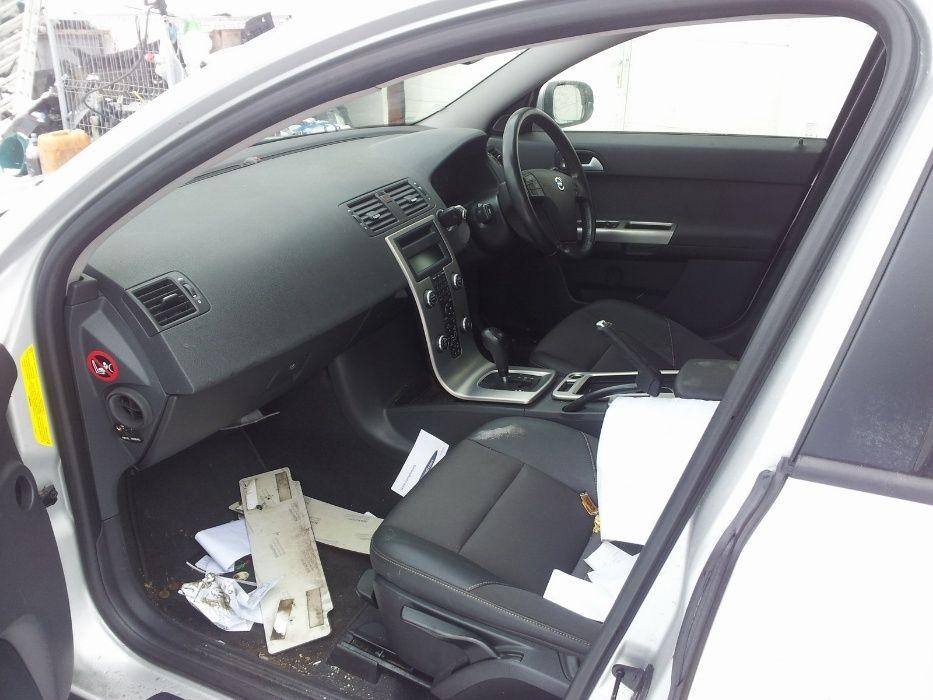Dezmembrez VOLVO V50 Diesel si Benzina Model Facelift 2007-2012 Falticeni - imagine 6