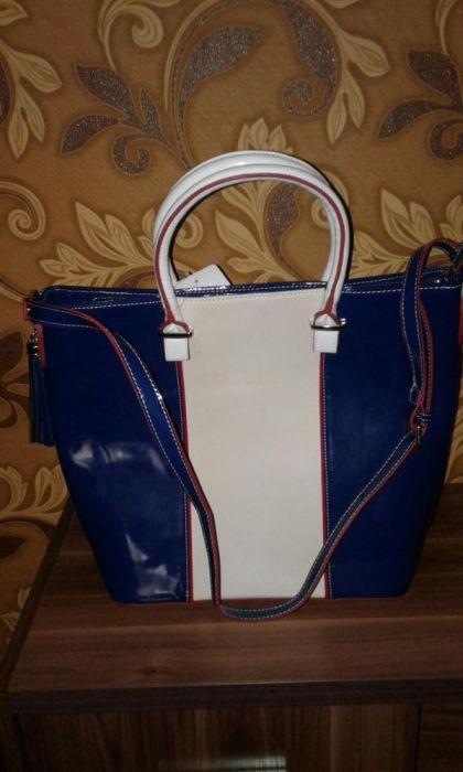 Женская новая лакированная сумка
