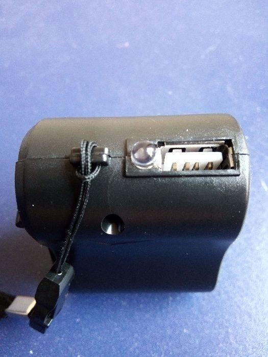 Incarcator de Urgenta cu Dinam si Manivela - USB - Telefon - Nou