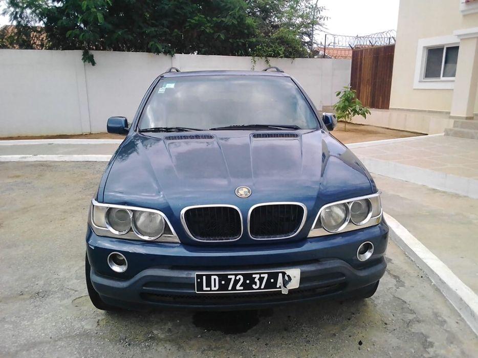 BMW X5 impecável, está em Talatona