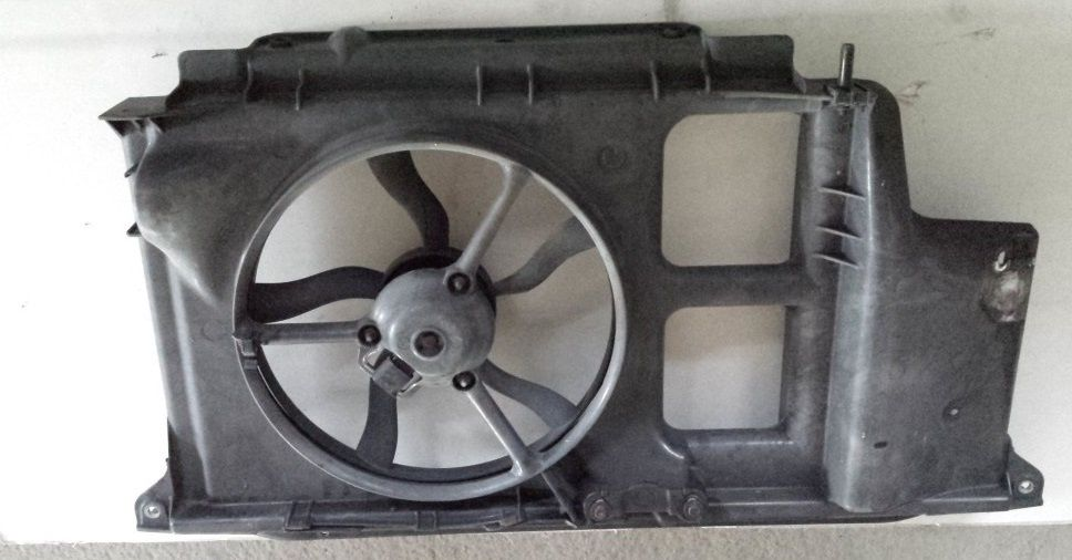 Electroventilator + Trager Peugeot 206 1.4i 1.1i benzina ( fara AC )