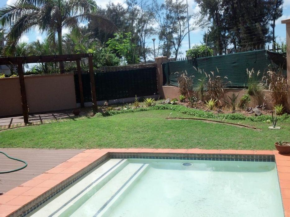 Arrenda se moradia duplex t3 luxuosa c piscina no condominio Mares Sommerschield - imagem 6
