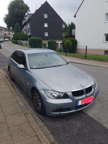 Dezmembrez BMW seria 3 E90 320I ES 2005 2009