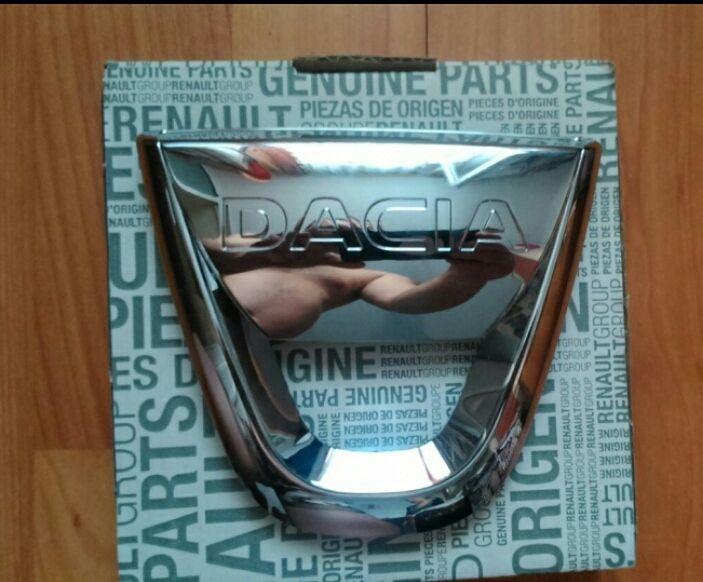 "Emblema sigla ""Dacia"" NOUA originală Dacia Logan MCV Sandero Stepway"