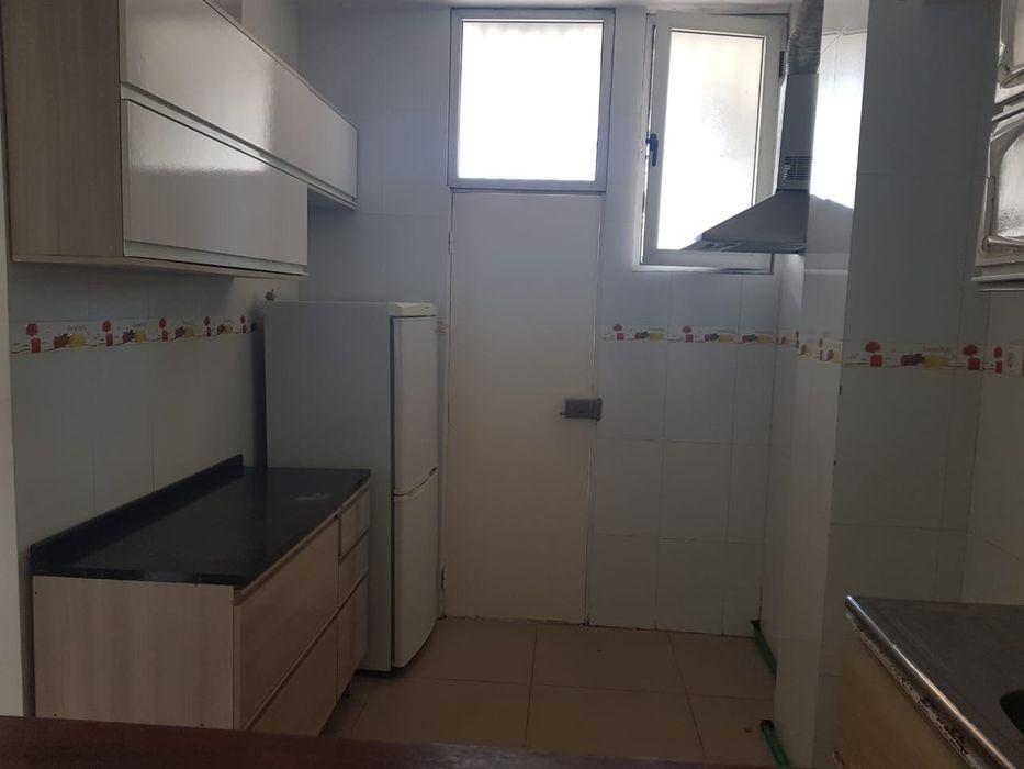 Vende-se Este Apartamento T2, na vila aliçe.