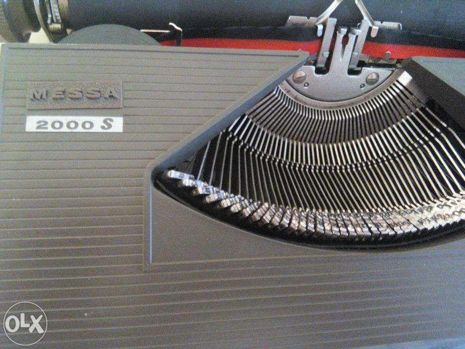 Mașină de scris messa 2000s