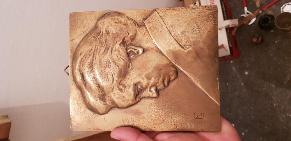 Vintage Placheta bronz decor chip in relief