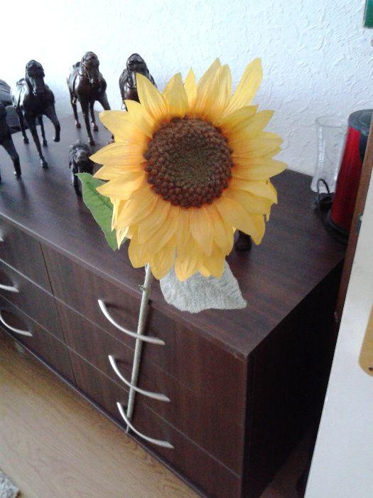Слънчоглед и Изкуствено цвете, за декорация на сватба, кетъринг