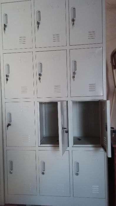 Cacifo metalico de 12 porta.produtos novo na caixa.direto entrega