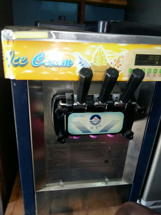 Máquina de sorvete 3 sabores na bolada