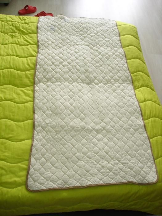 Вълнено одеяло, одеало, покривало. Плетена покривка за маса или легло