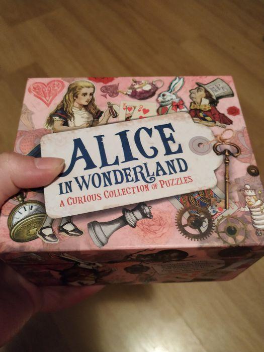 Alice in Wonderland Puzzle Box
