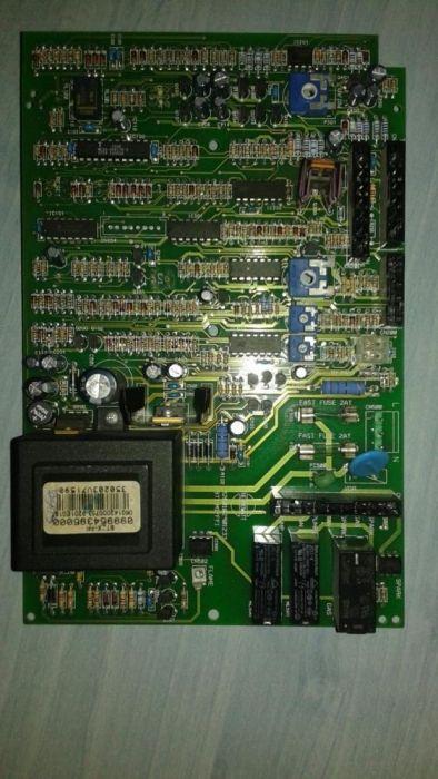 Vand placă electronica DEFECTA pentru centrala ARISTON
