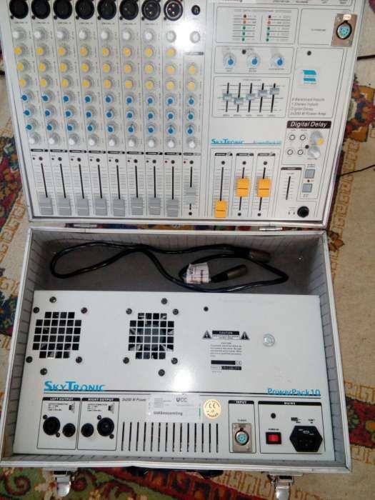 Mixer activ tip valiza Skytronic amplificat