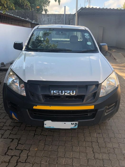 Isuzu | D-TEQ | KB250 | 2013 | Manual | Diesel | 2.5 | 4×2 | Clean