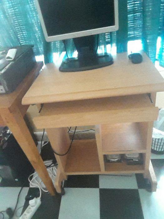 Secretária para computador de mesa