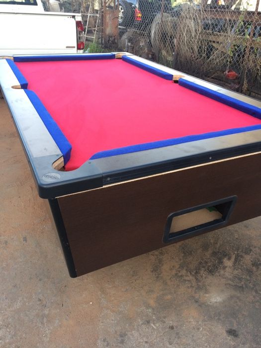 Vendo mesa de billiards nova muito Top