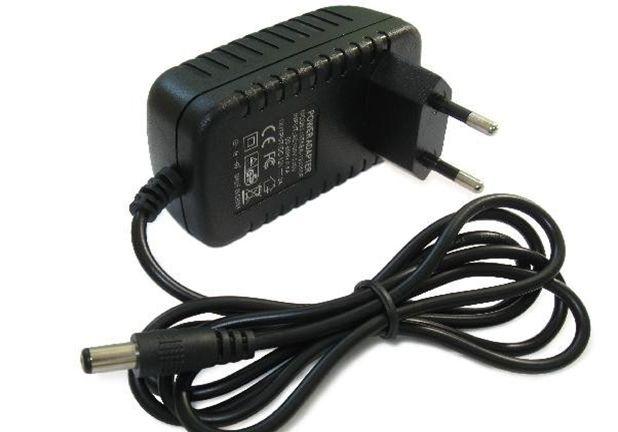 на электронные весы или на кассовый аппарат адаптер-блок питания