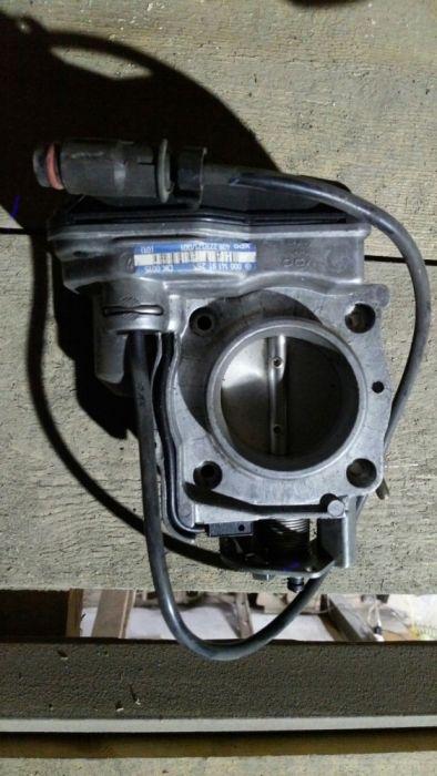 Дроссельная заслонка на w124,c202,w210 Е200,E220,111двигатель,мерседес