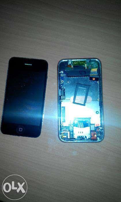 Vand/ Schimb Iphone 3 - 8GB demontat