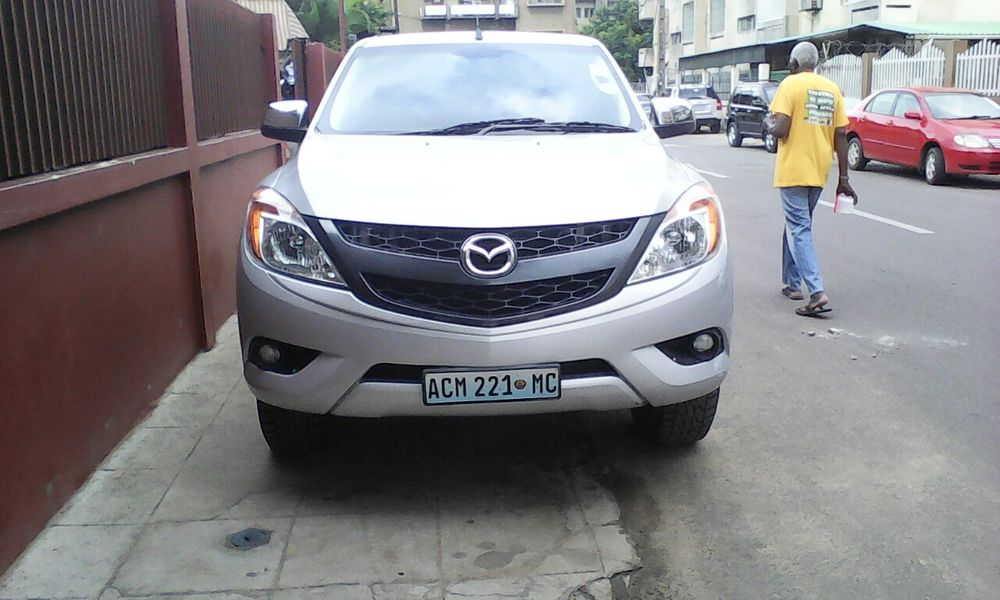 Mazda bt50 3.2 caixa manual 4x4...p.1.10