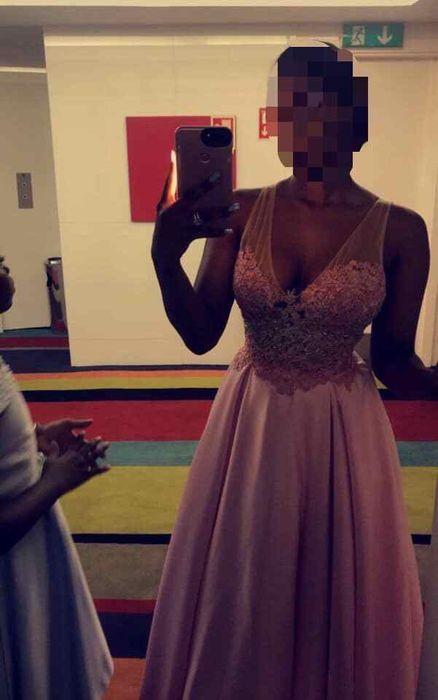 Vestido rosa comprido