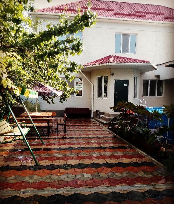 Продаются 2 дома в центре города вдоль трассы Адырбекова