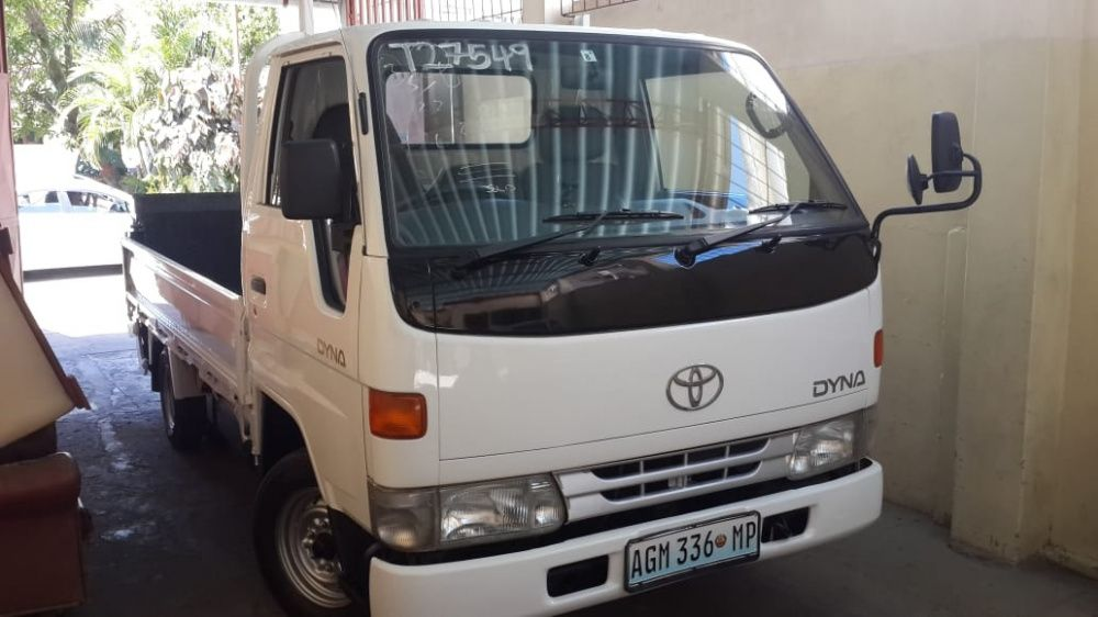 Toyota | Dyna | Manual | Diesel | Motor: 3L | Tara: 1500 Kg | Recente