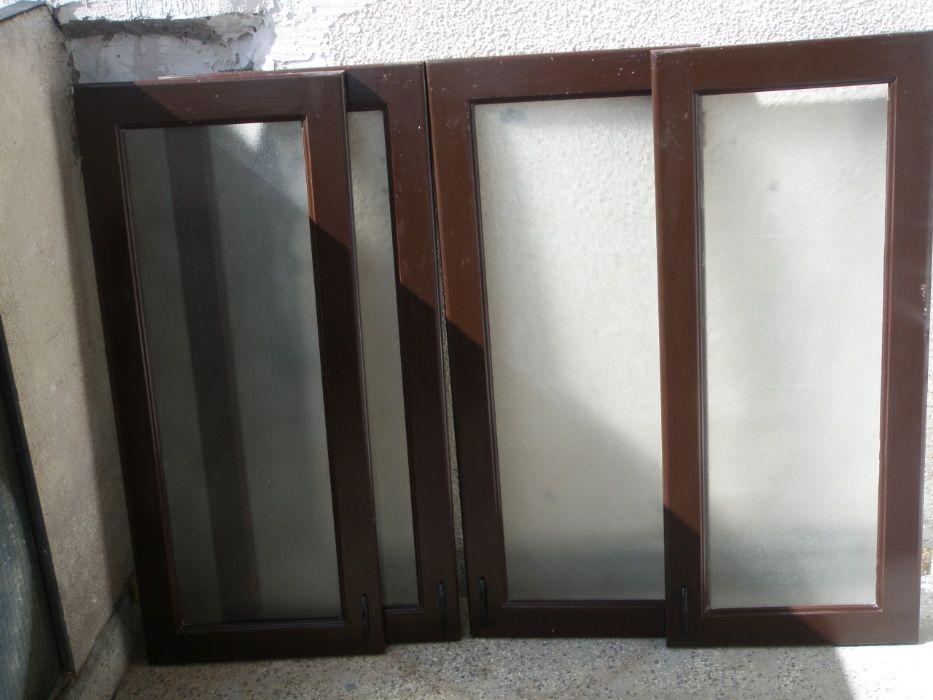 Продавам 4 бр. остъклени вратички за шкаф, или витрина.