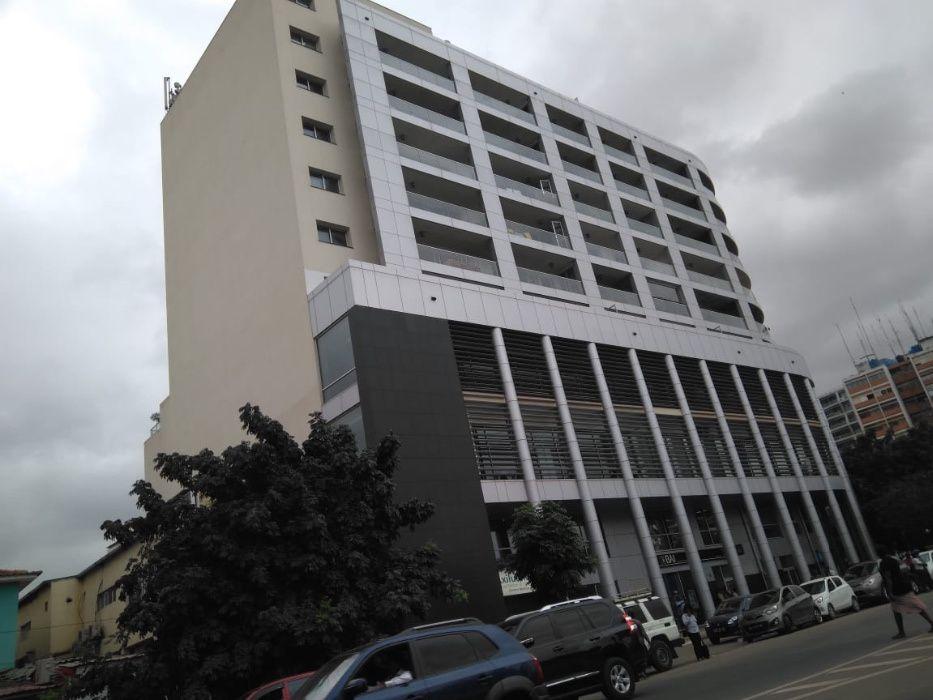 Arrenda-se t3 edifício atrium 1 de maio 900mil kz mobilado