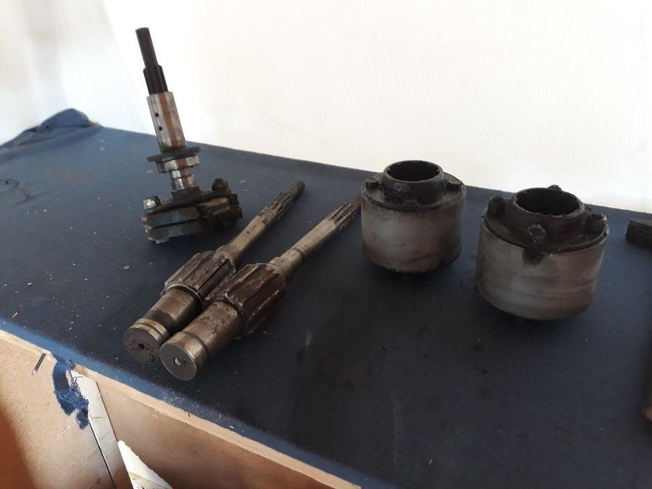 Vând ax ambreaj tractor fiat și alte piese din dezmembrari