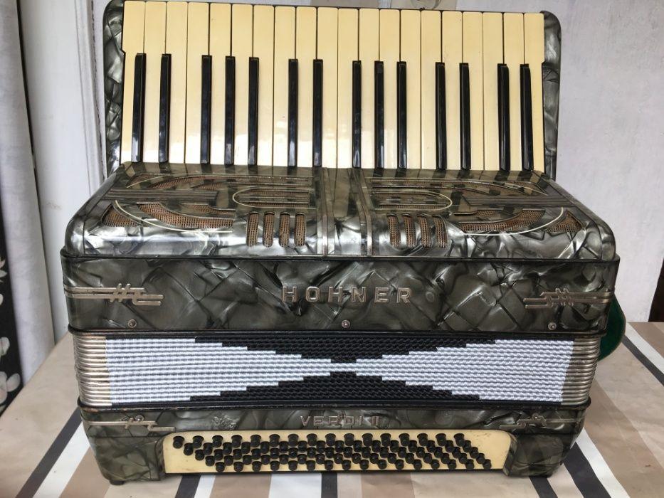 De vinzare acordeon Hohner Verdi 2 cu 80 de Basi.
