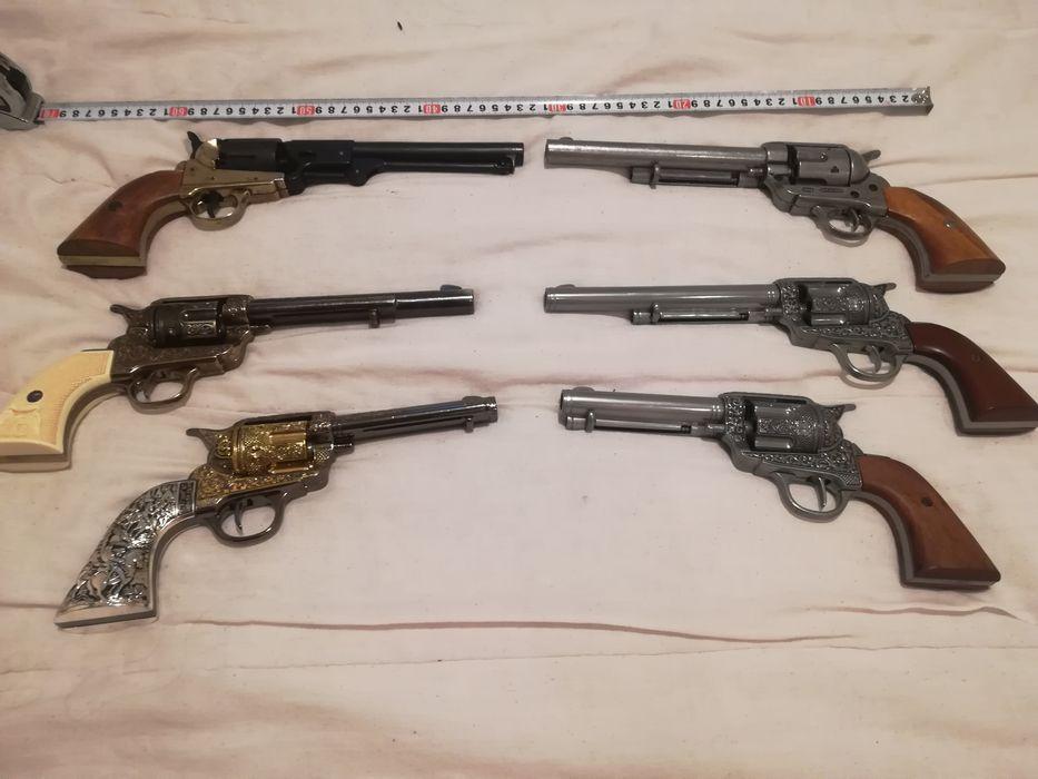 Револвер Колт, Colt каубойски пистолет. Масивни не стрелящи реплики