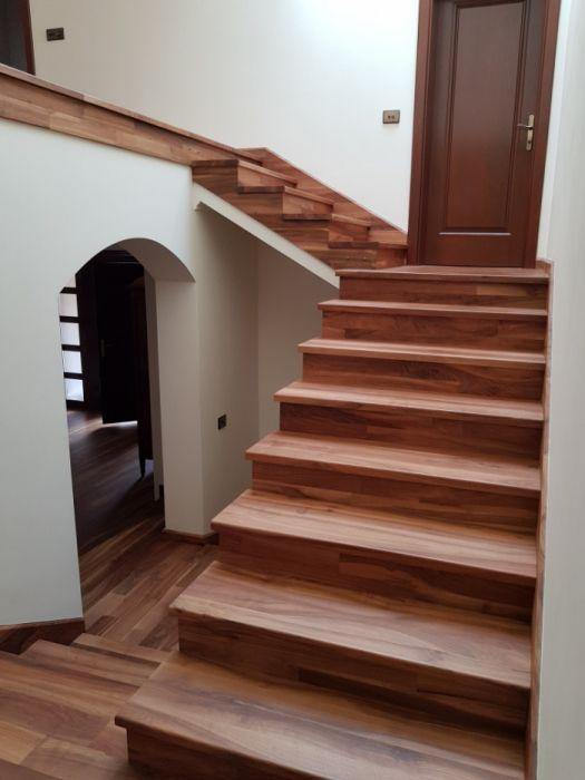 Trepte, parchet din lemn masiv de stejar si mahon