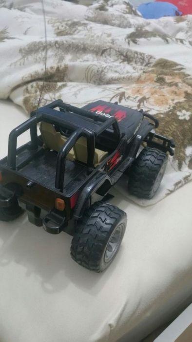 Jeep nikko negru