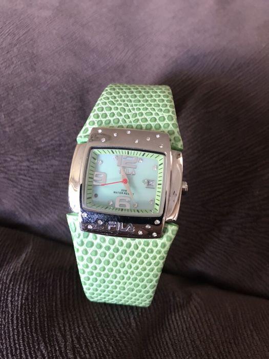 Vand ceas dama cu strasuri fila Original nou curea de piele pret 250 r